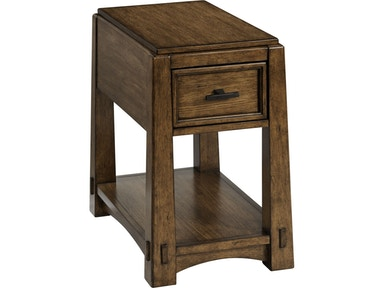 Broyhill Winslow Park™ Chairside Table 4604-004
