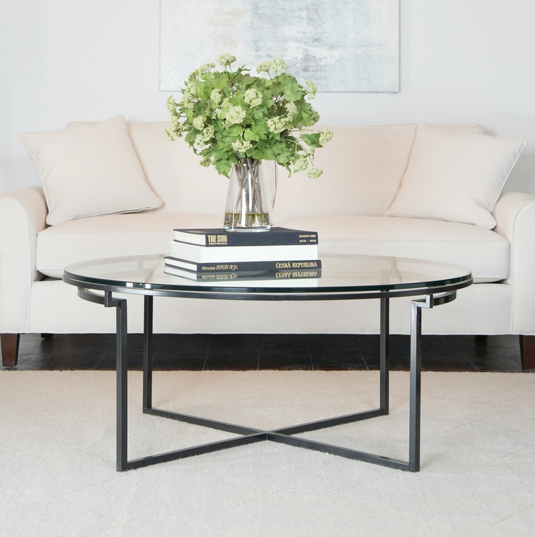 Charleston Forge Living Room 36 Round Tail Table 7601