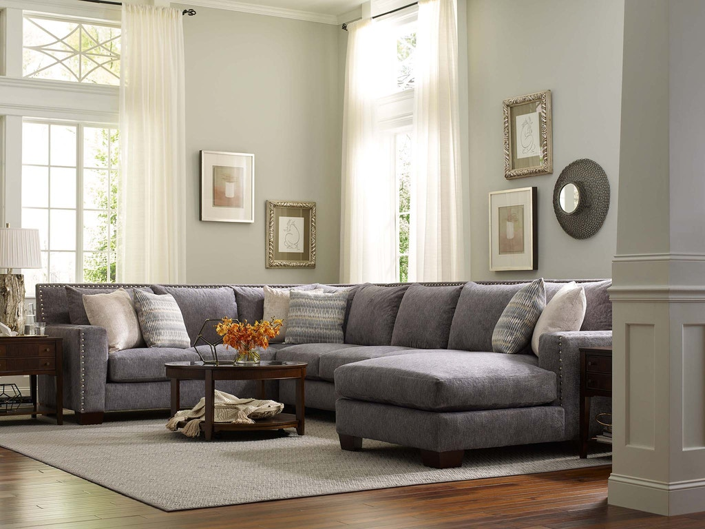 England Living Room Luckenbach Sectional With Nails 7k00n