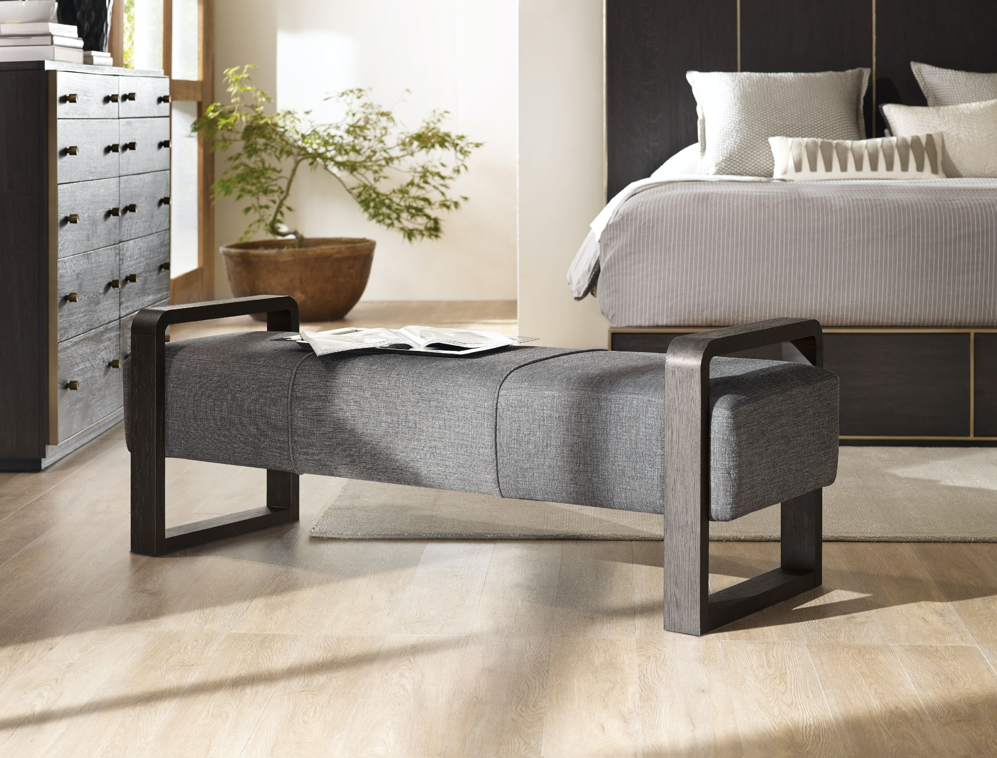 Hooker Furniture Living Room Curata Upholstered Bench 1600-50006-DKW
