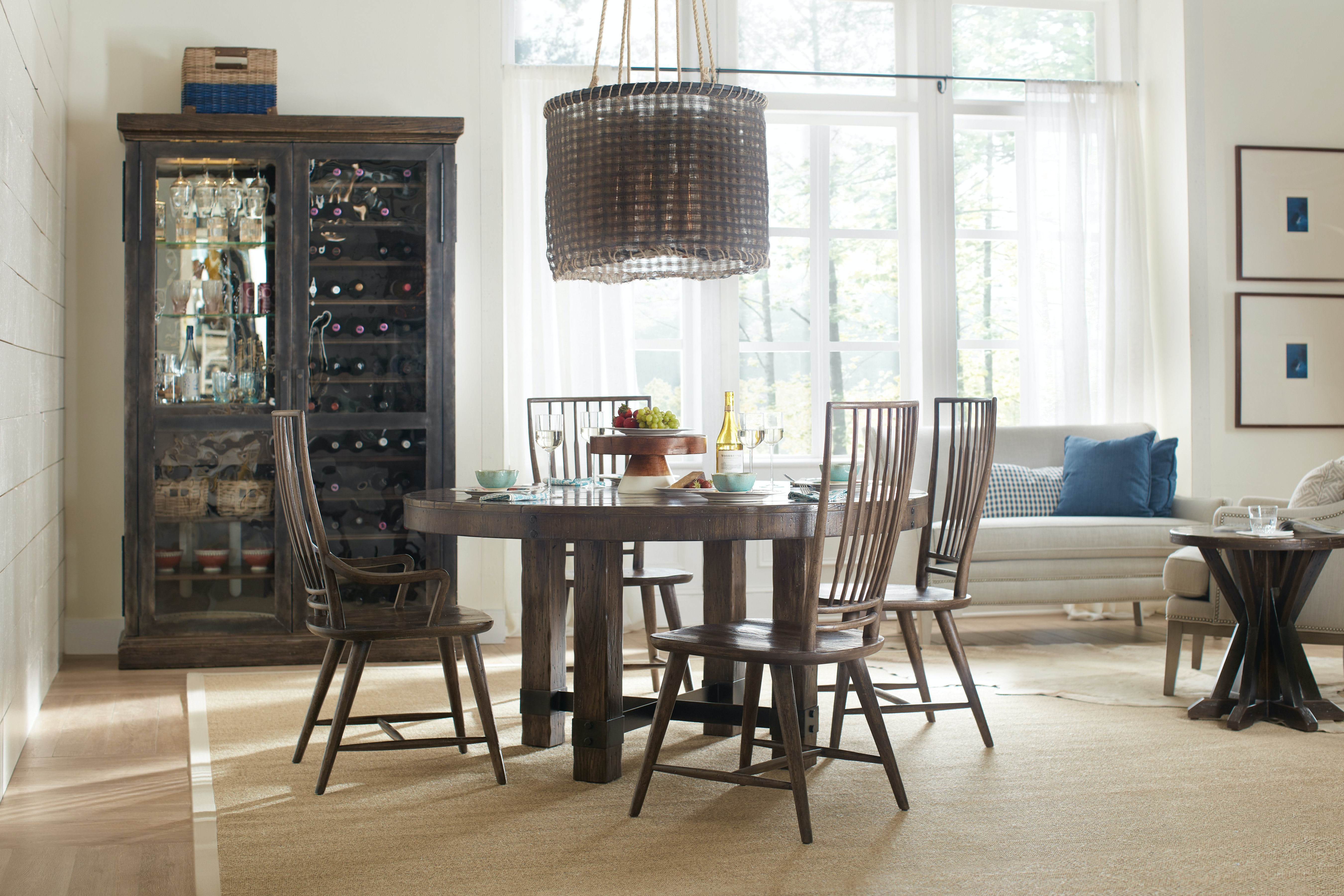 Hooker Furniture Roslyn County 60in Round Dining Table 1618 75201 DKW