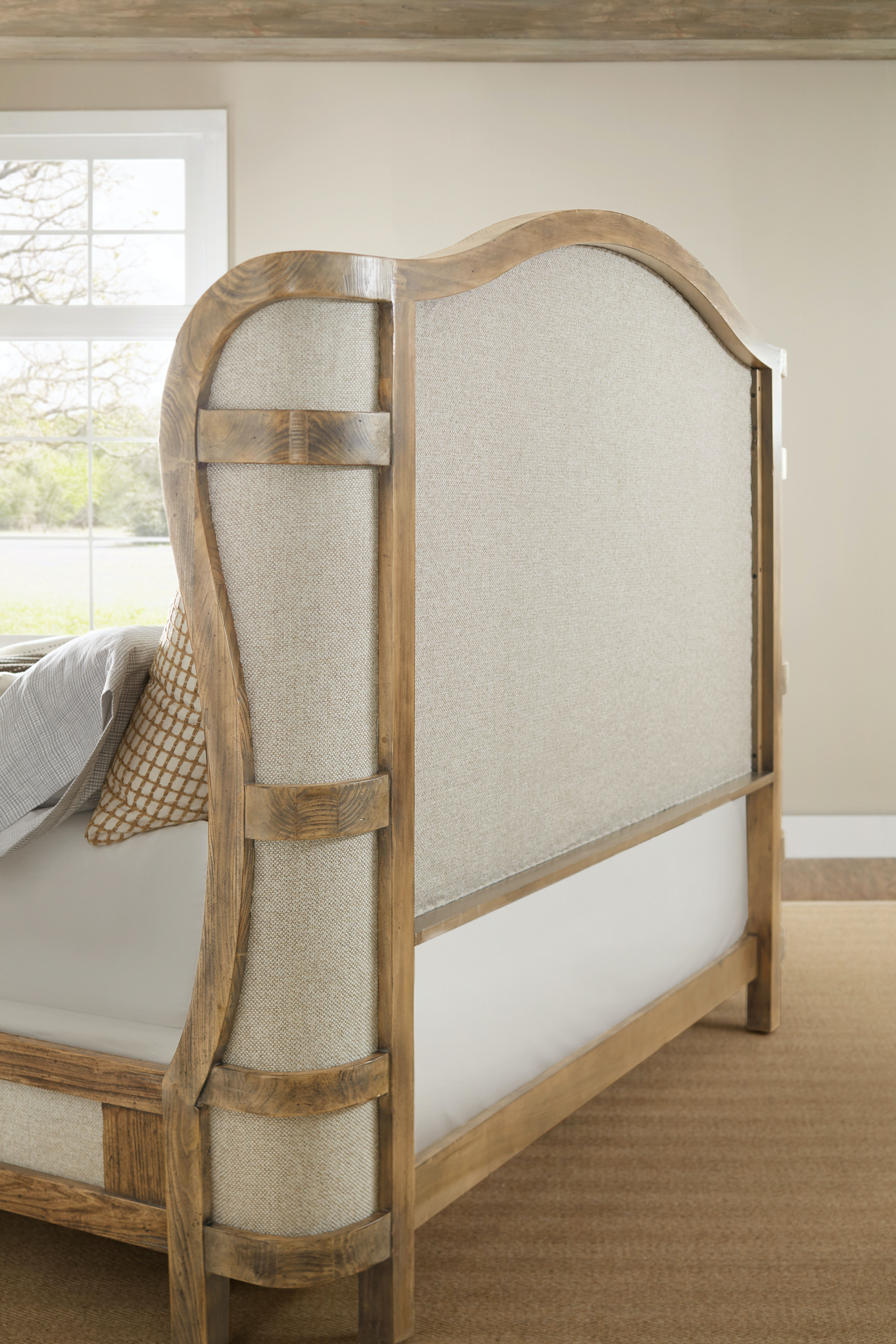 Hooker Furniture Roslyn County King Deconstructed Uph Panel Bed  1618 90866A MWD