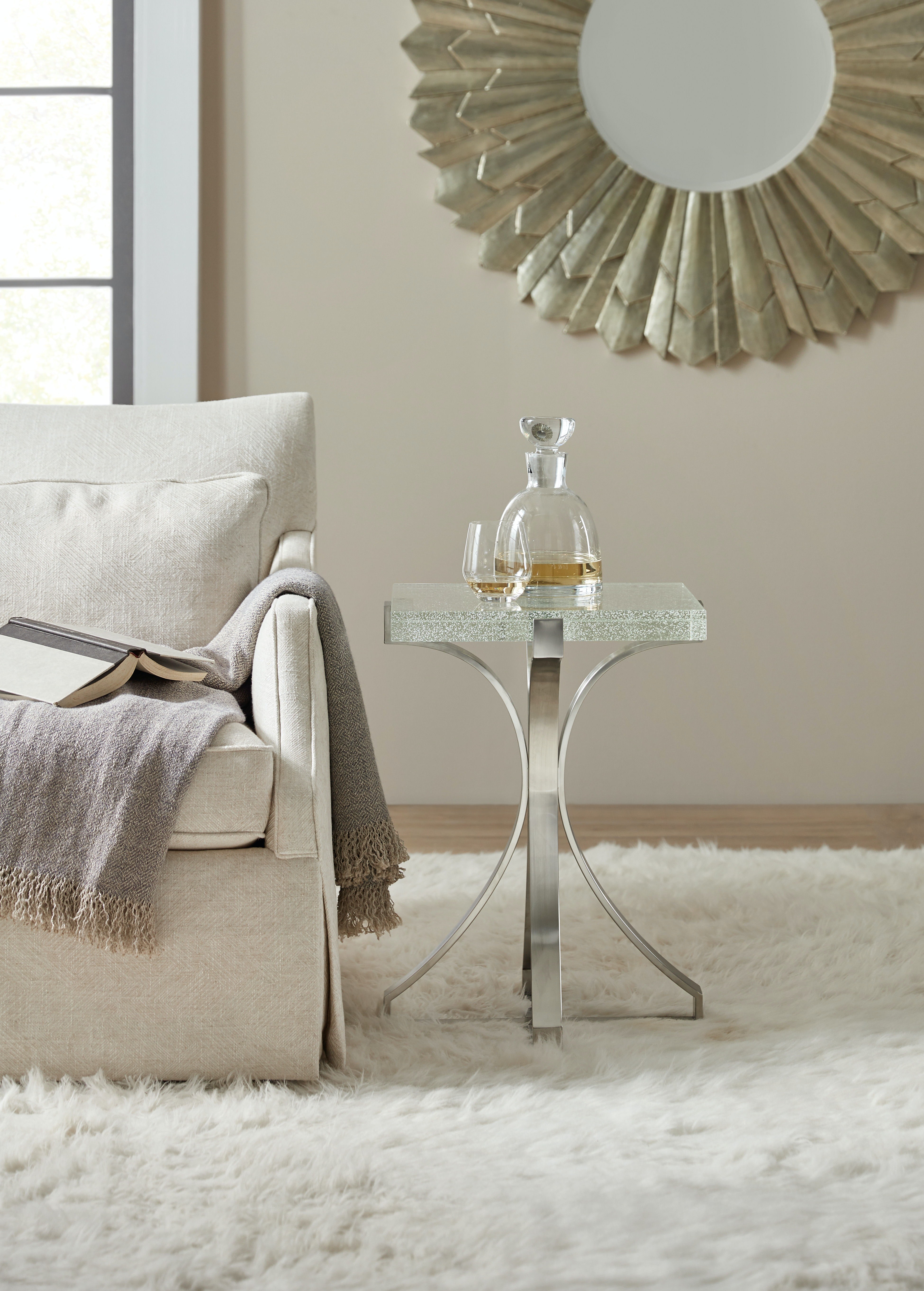 Hooker Furniture Living Room Bubble Glass Accent Table 500