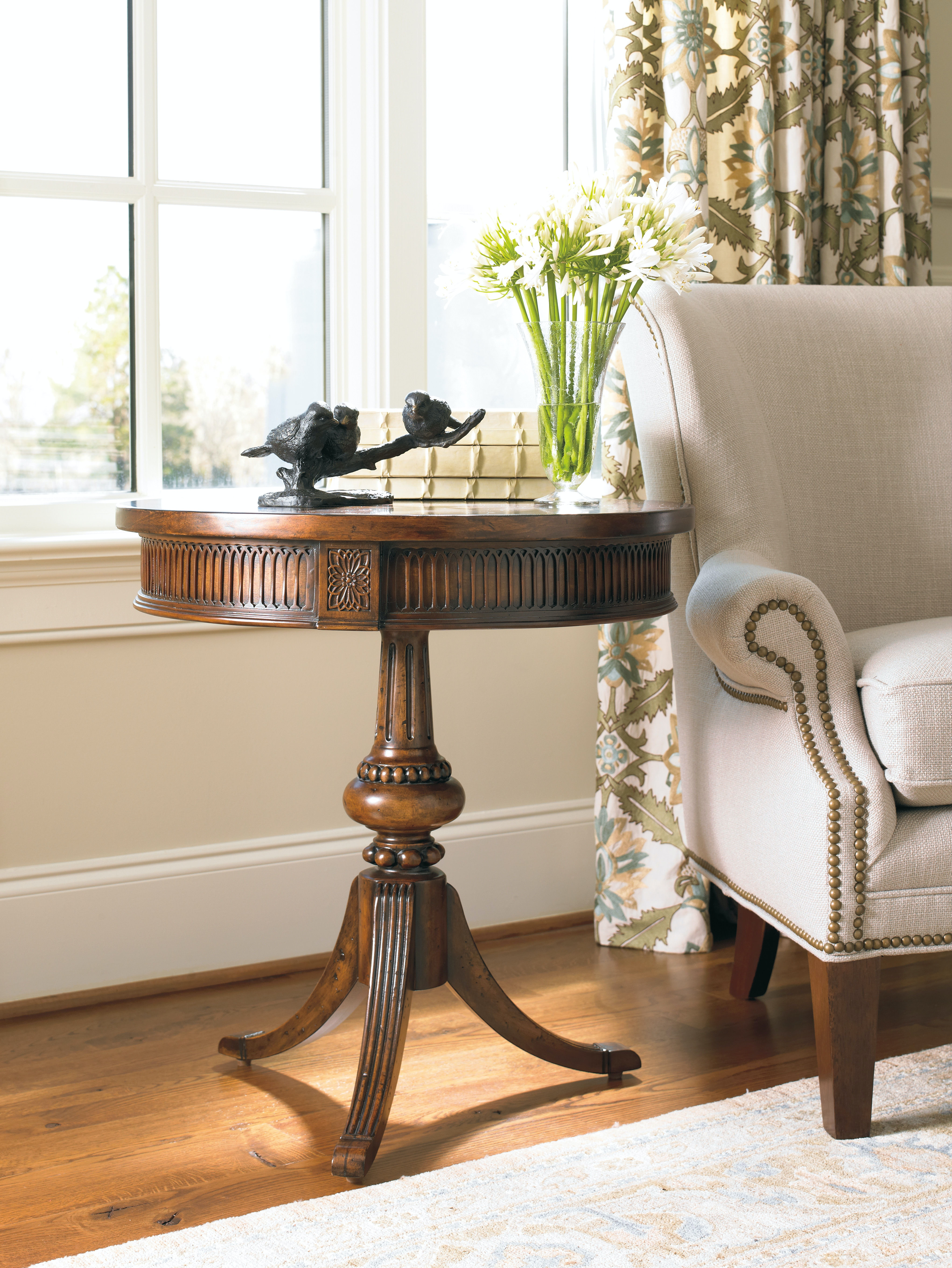 Hooker Furniture Round Pedestal Accent Table 500 50 828