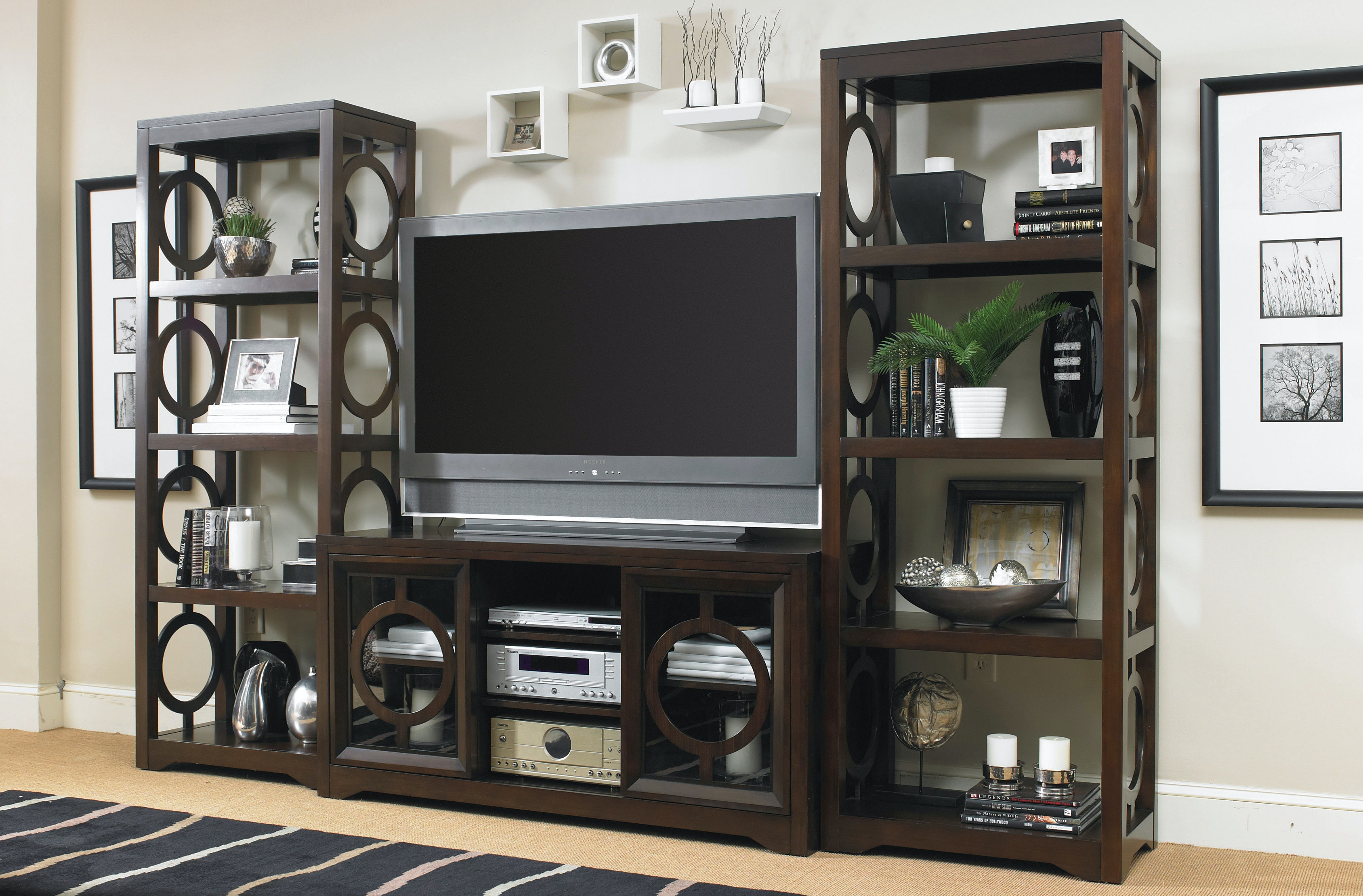 Hooker Furniture Home Entertainment Kinsey 60\