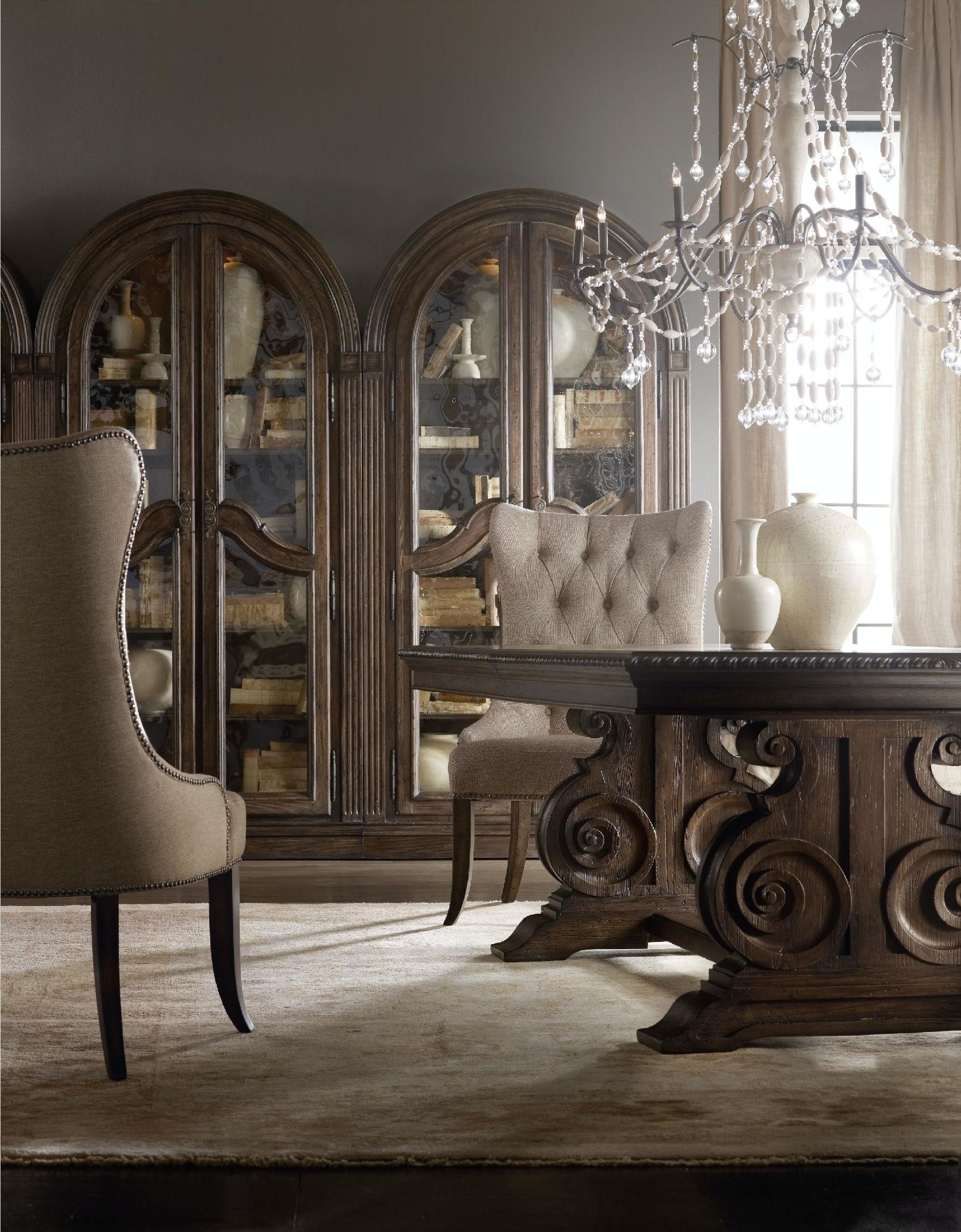 Hooker Furniture Living Room Rhapsody Bunching Curio 5070
