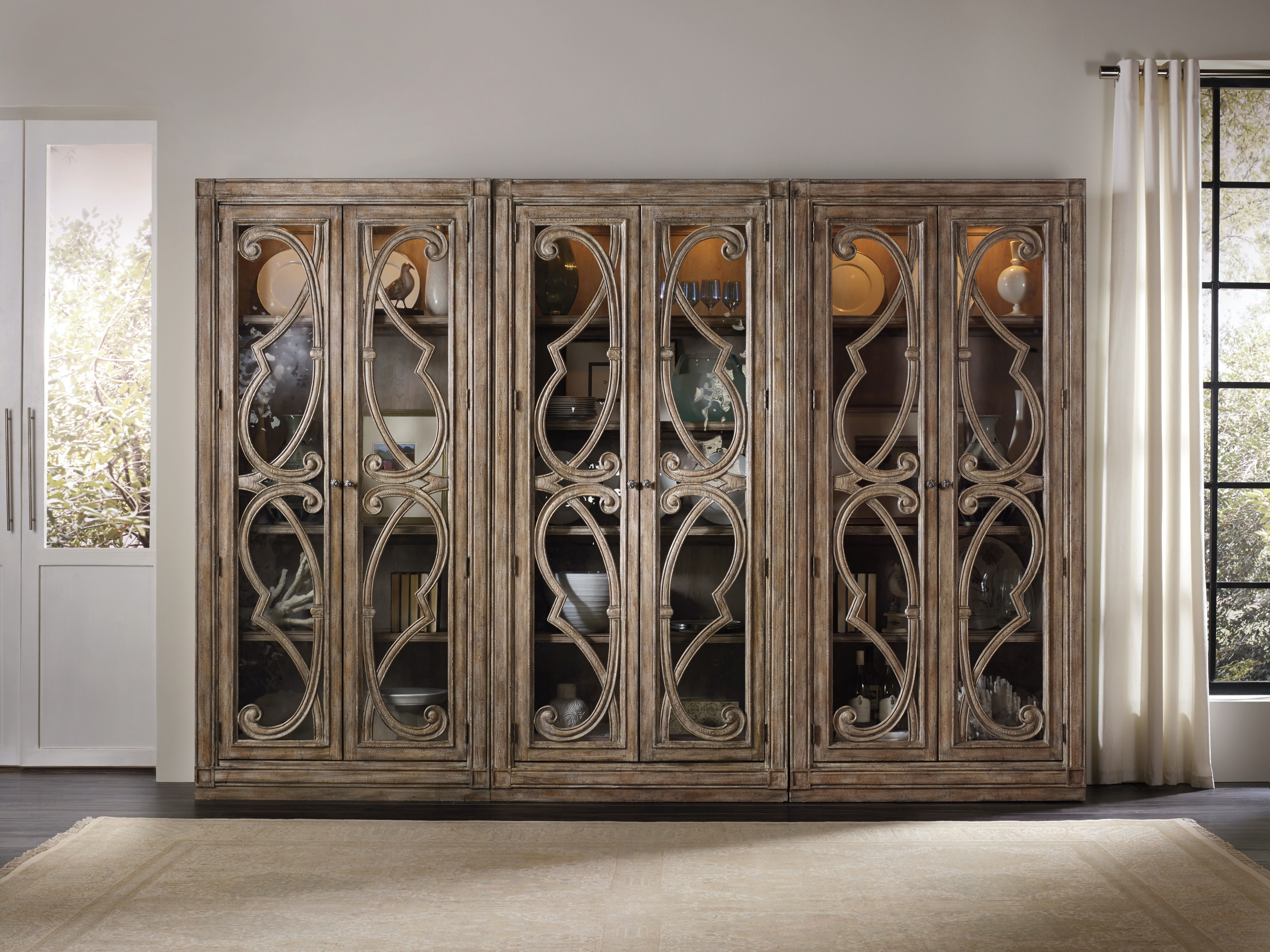 Hooker Furniture Solana Bunching Curio Cabinet 5291 50001