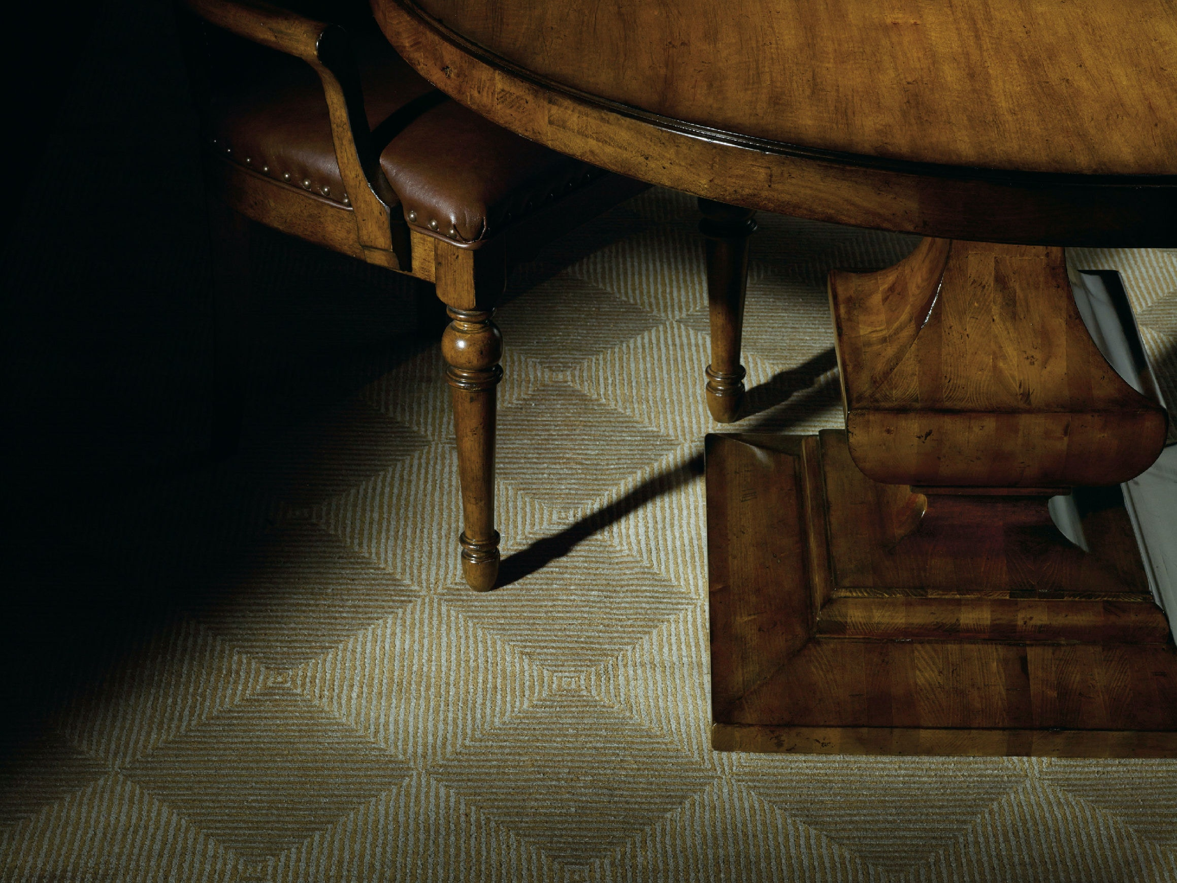 hooker furniture tynecastle round pedestal dining table