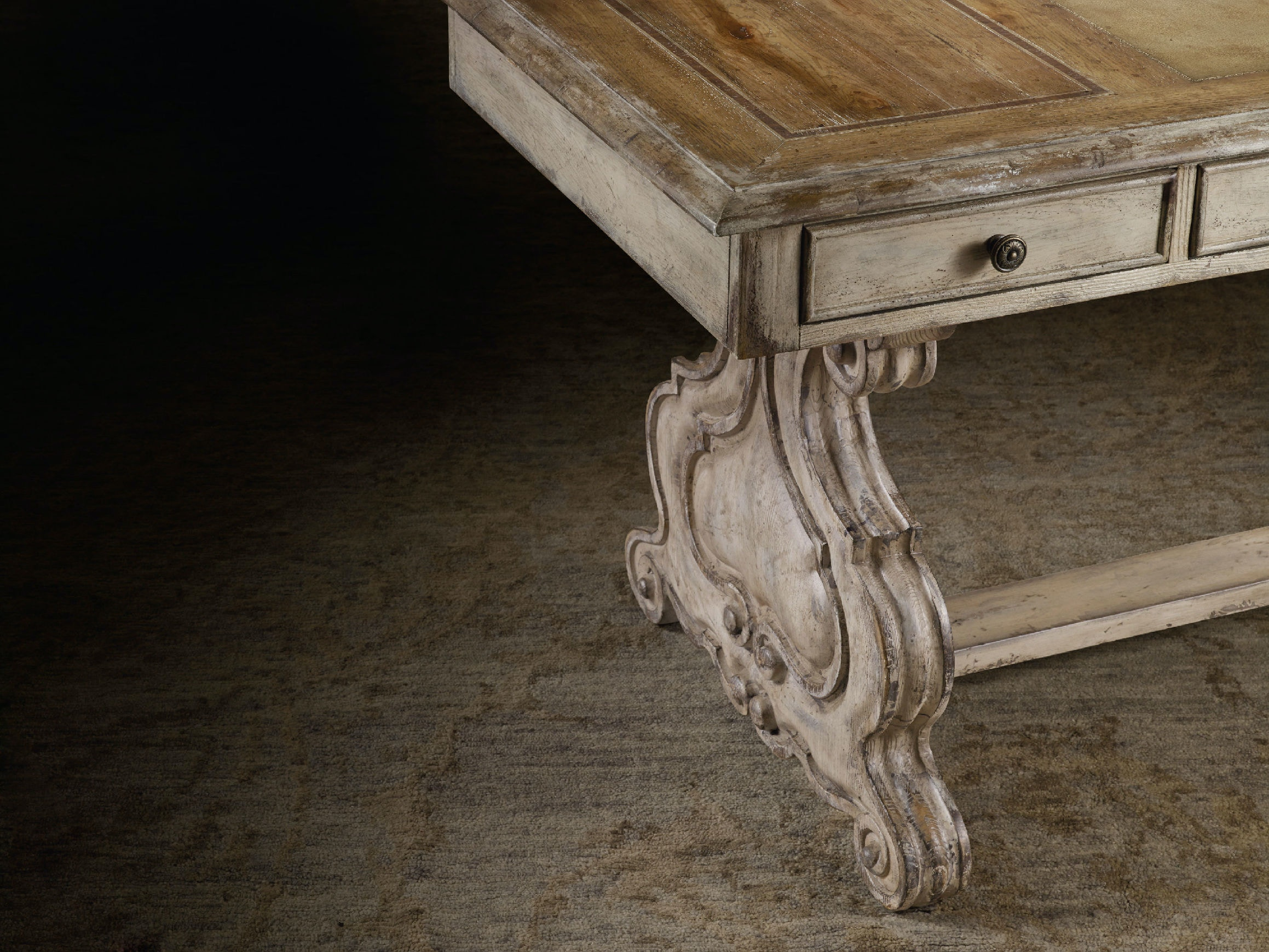 Very Hooker Furniture Home Office Chatelet Trestle Writing Desk 5350-10459 UC63