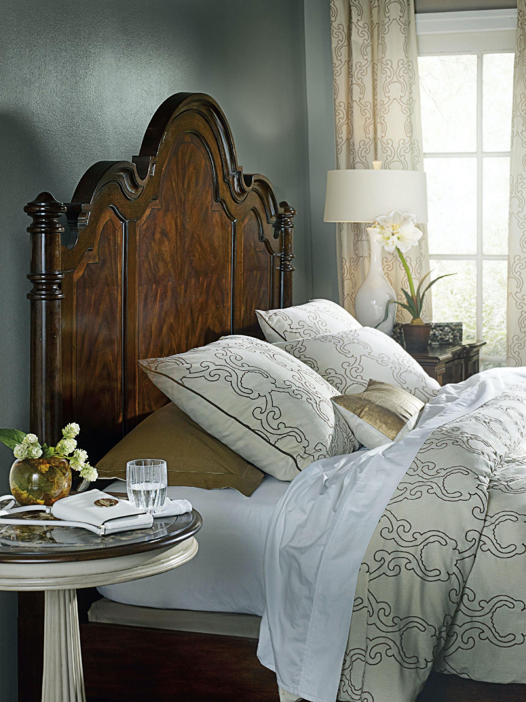 Hooker Furniture Bedroom Leesburg King Poster Bed 5381-90666