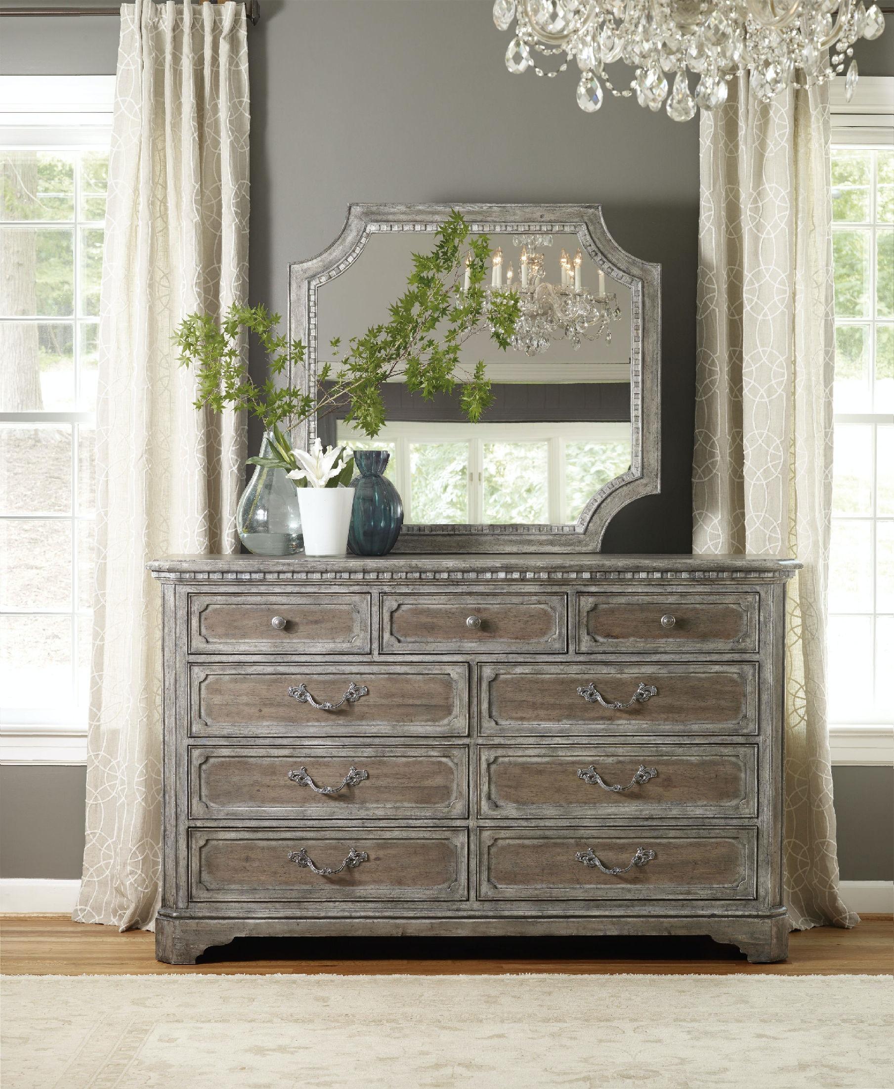 Hooker Furniture True Vintage Shaped Mirror 5701 90008