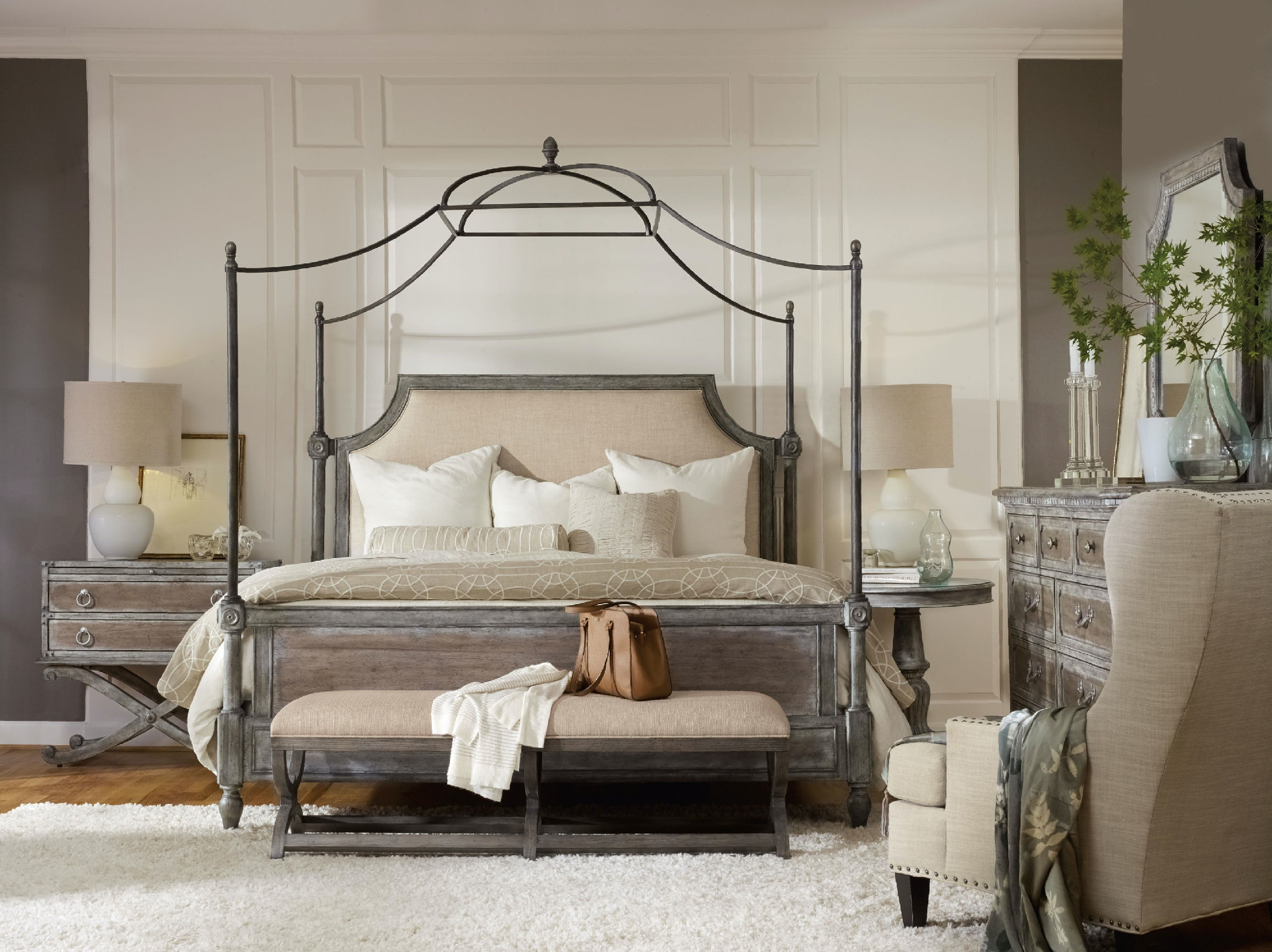 Hooker Furniture True Vintage King Fabric Upholstered Canopy Bed 5701-90166
