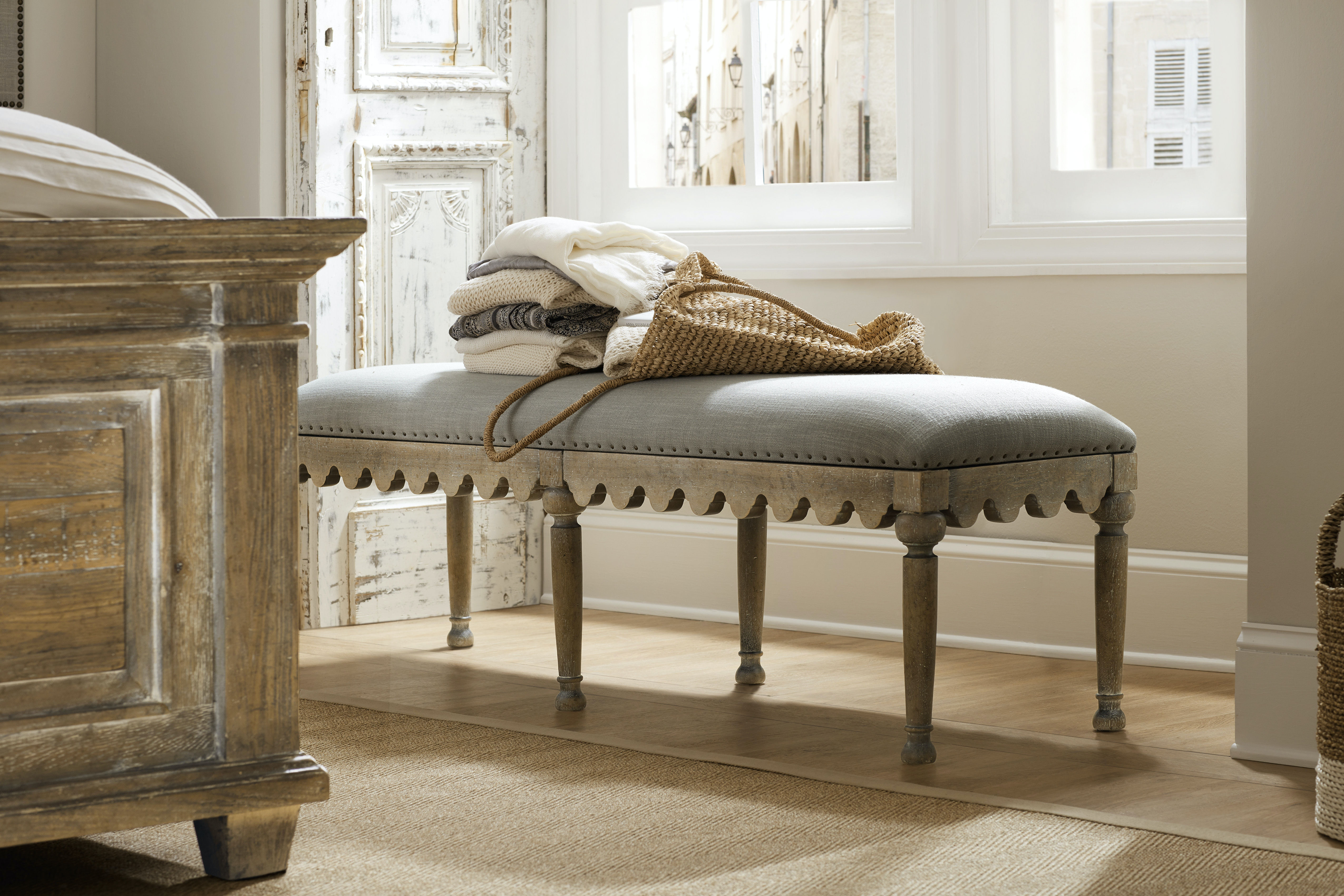 Incroyable Hooker Furniture Boheme Madera Bed Bench 5750 90019 MWD
