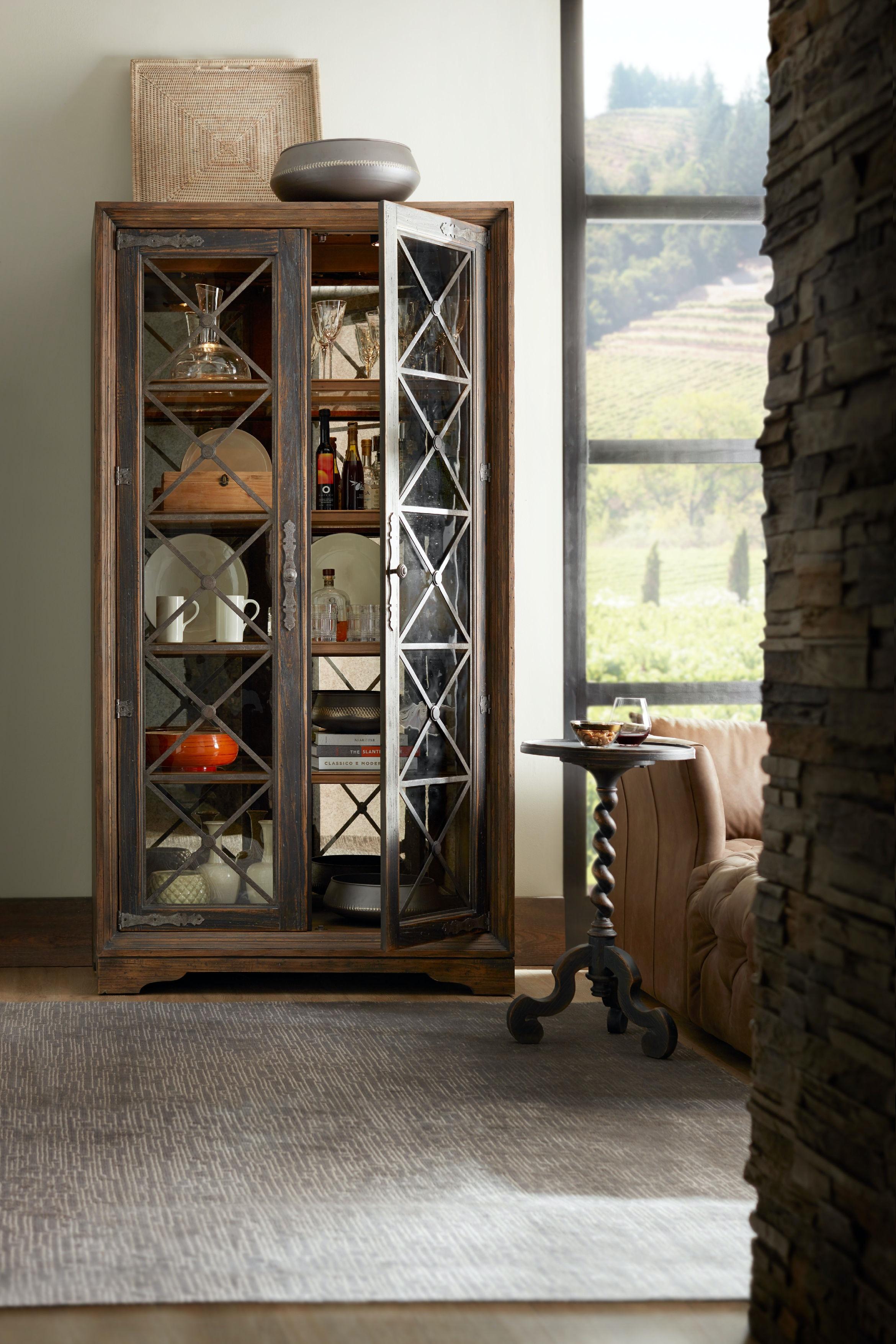 Hooker Furniture Dining Room Sattler Display Cabinet 5960