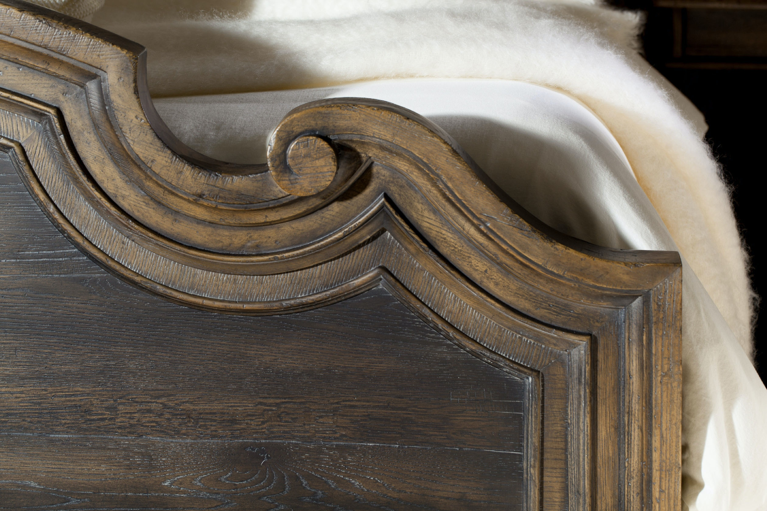Hooker Furniture Fair Oaks King Upholstered Bed 5960 90866 MULTI
