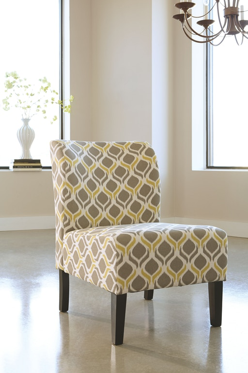 Signature Design By Ashley Living Room Honnally Accent