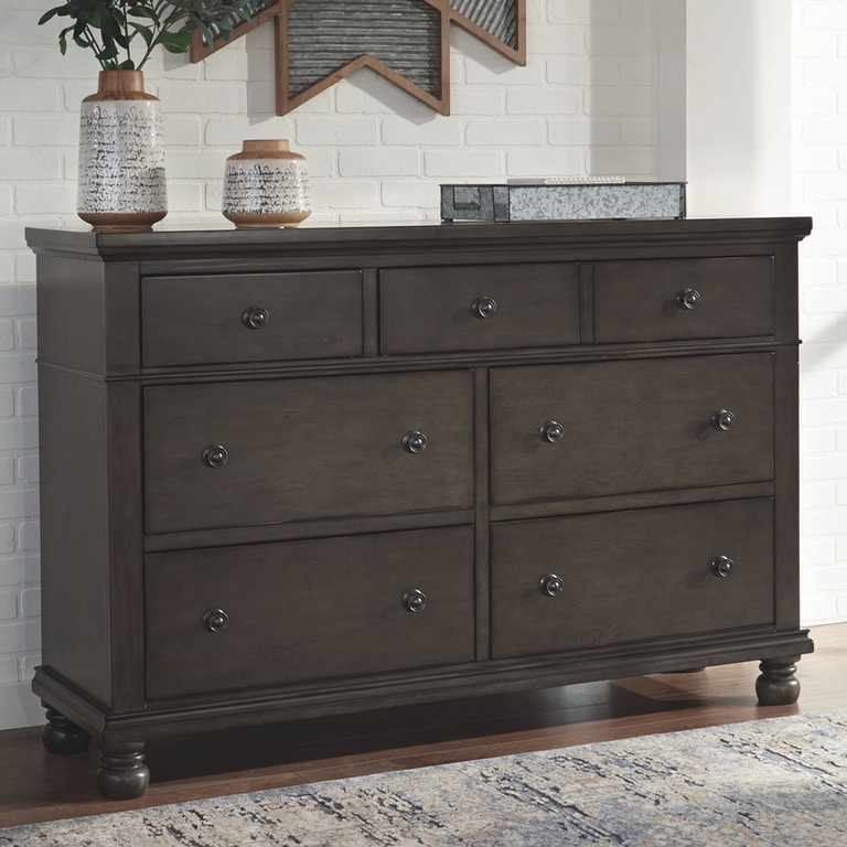 Ashley Furniture Discount Store: Benchcraft Bedroom Devensted Dresser B624-31