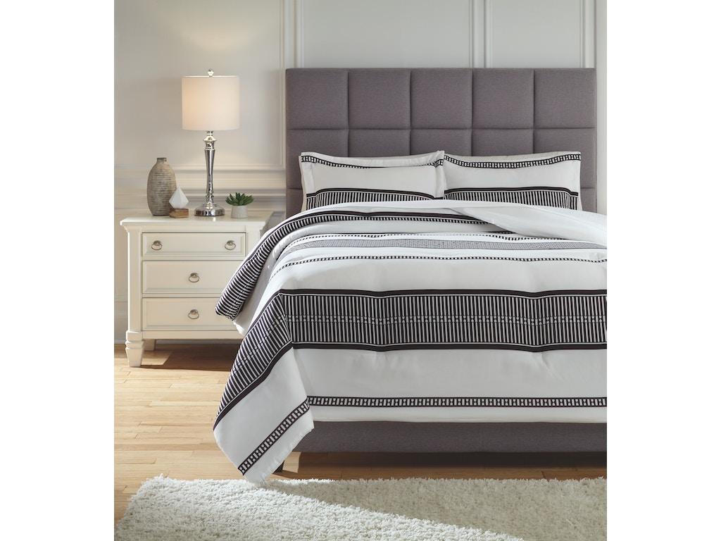 Signature Design By Ashley Bedroom King Comforter Set