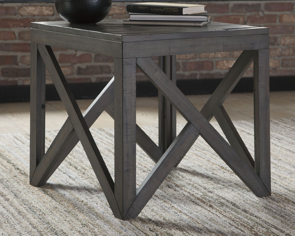 Signature Design By Ashley Living Room Haroflyn End Table