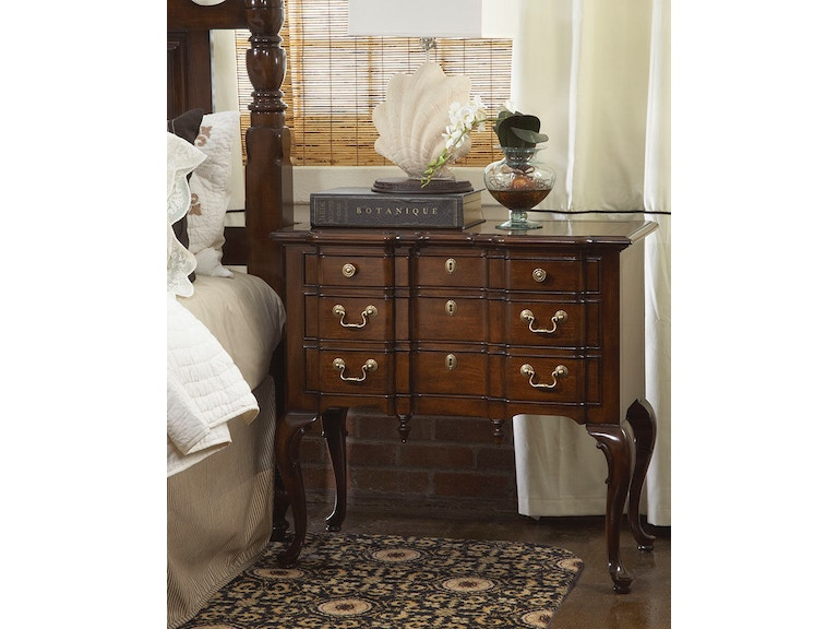 Fine Furniture Design American Cherry Suffolk Lowboy 1020 114