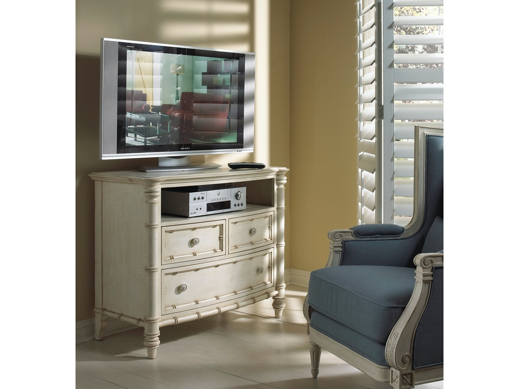Fine Furniture Design Bedroom Media Chest 1051 140 Kalin
