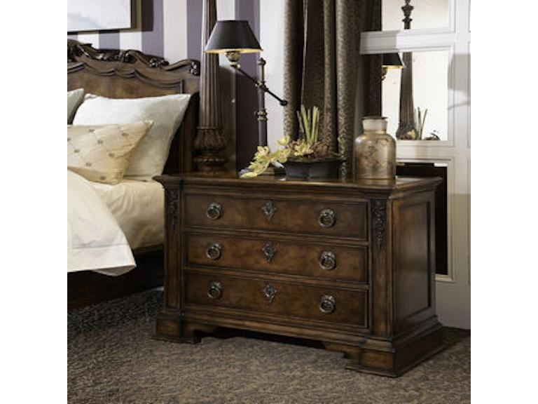 Fine furniture design bedroom nightstand 1150 100 mccreerys home furnishings sacramento for Bedroom furniture in sacramento