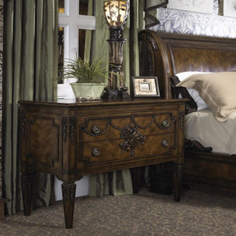 Fine Furniture Design Bedroom Chest 1150-112