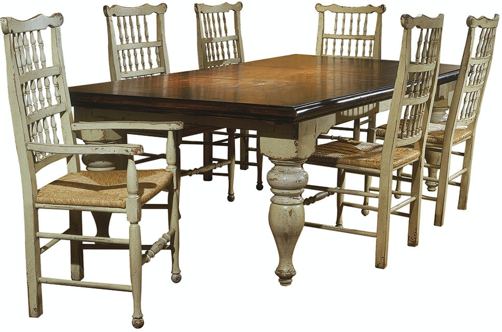Harvest Dining Table With Two Leaves