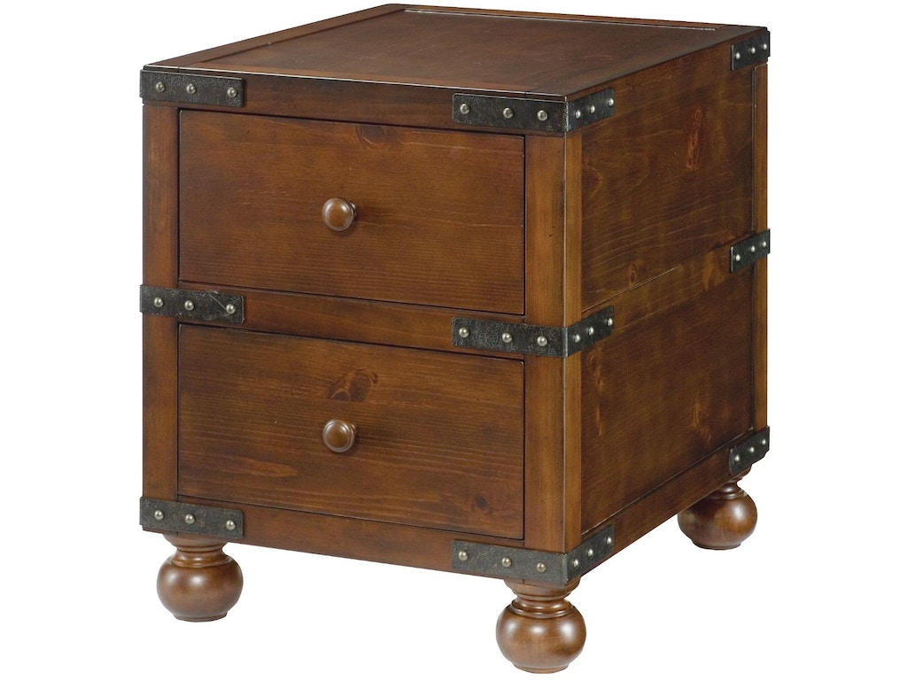 Hammary Living Room Trunk End Table 090-521