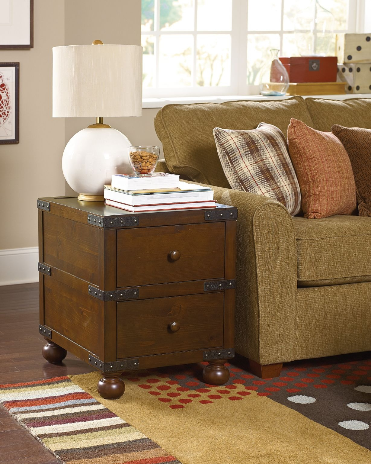 Superieur Hammary Trunk End Table HM090521 From Walter E. Smithe Furniture + Design