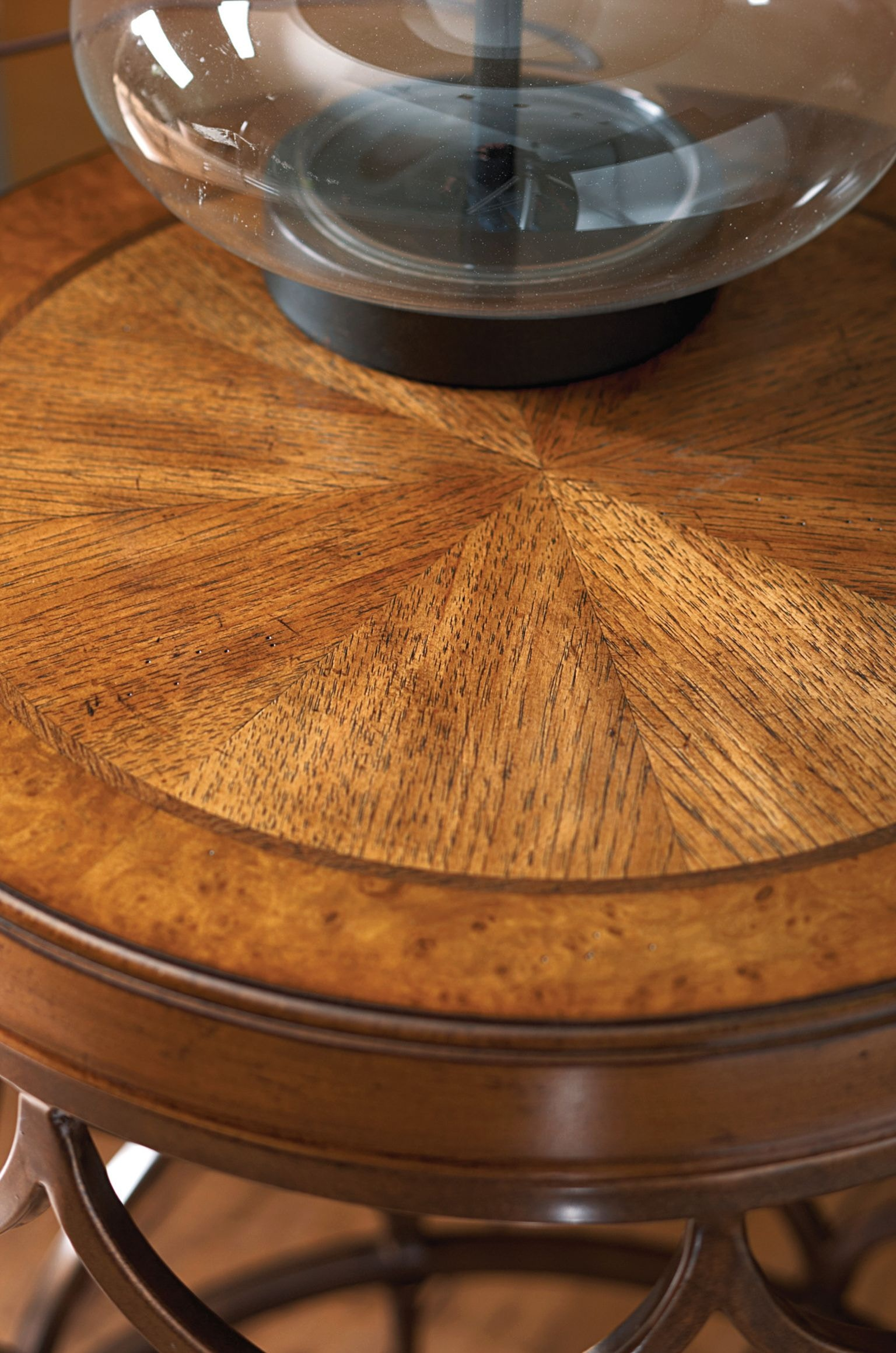 Hammary Living Room Round Lamp Table 090 571 Hickory