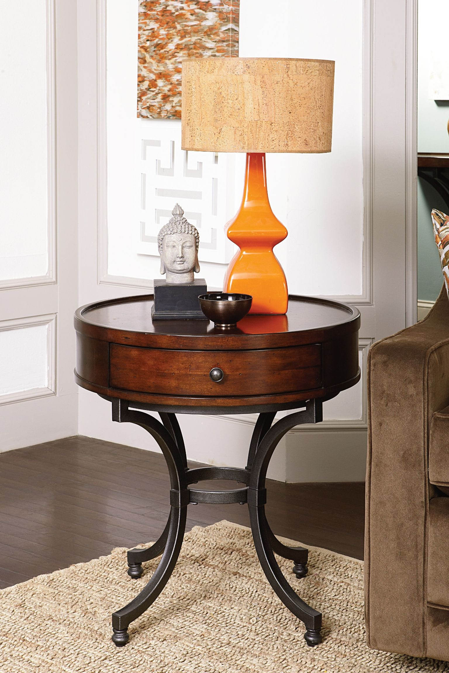Hammary Round End Table 358 918