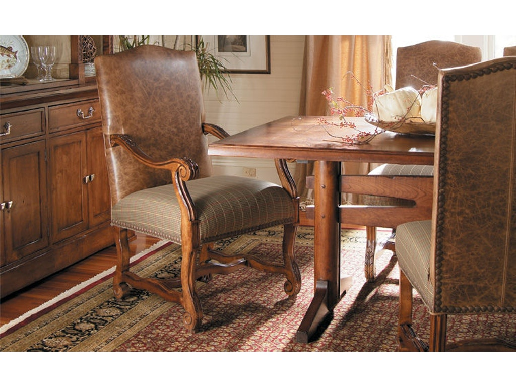 Mill valley dining table hd1692 for Walter e smithe dining room furniture