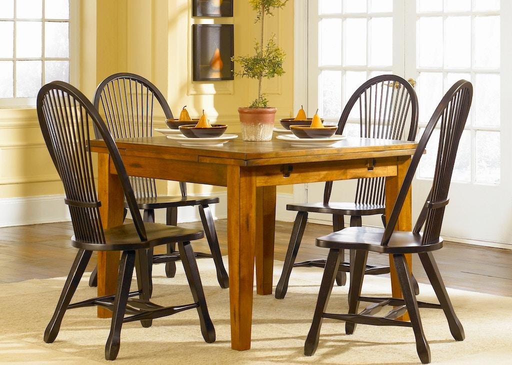 Liberty Furniture Dining Room Retractable Leg Table Oak