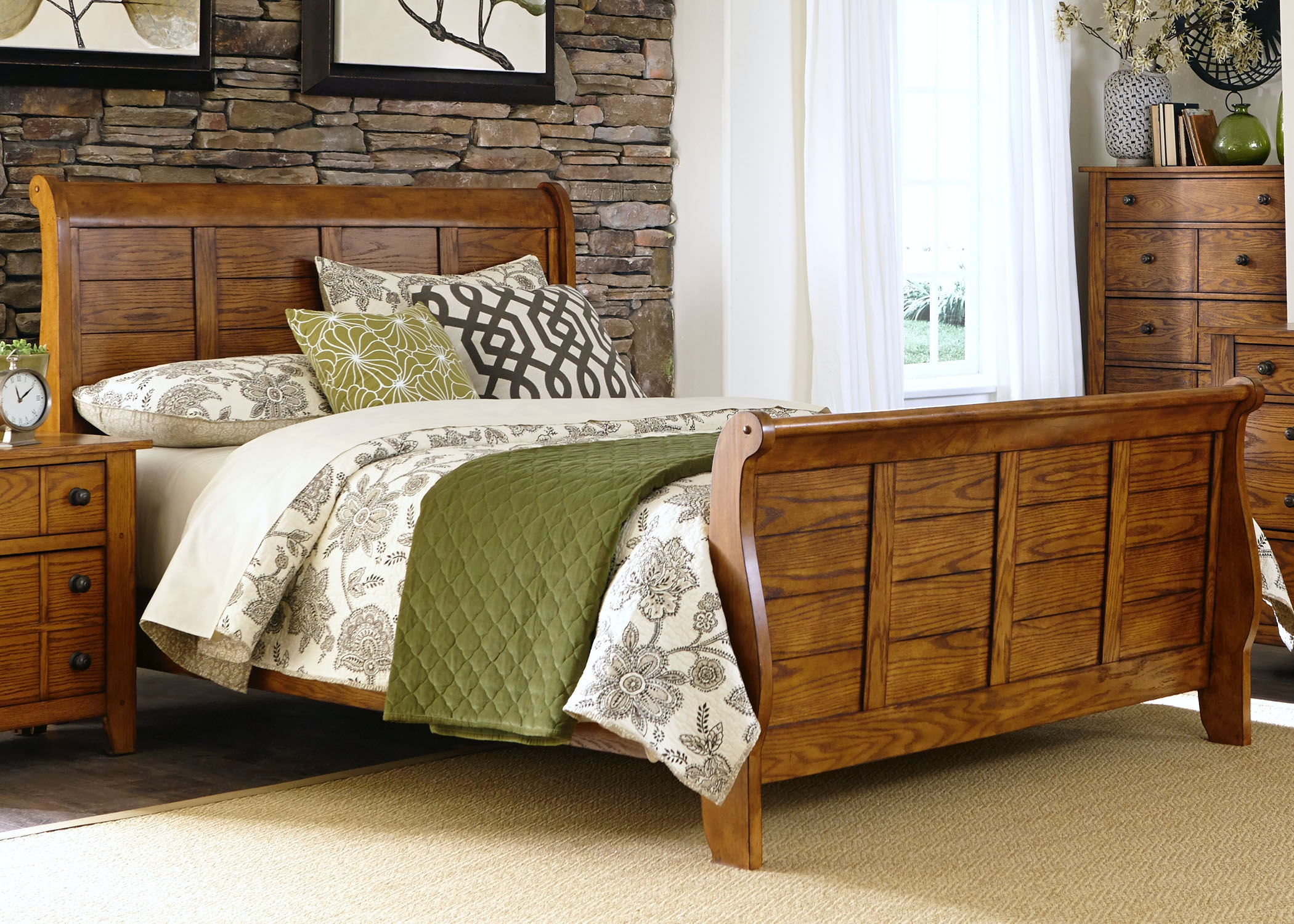 Delightful Liberty Furniture King Sleigh Bed 175 BR KSL