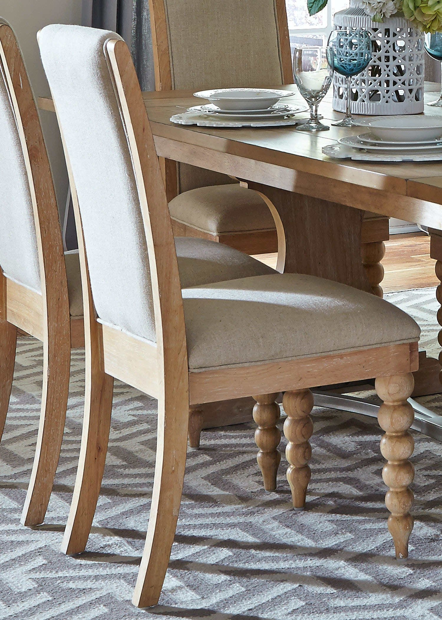 Superbe Liberty Furniture Upholstered Chair (RTA) 531 C6501