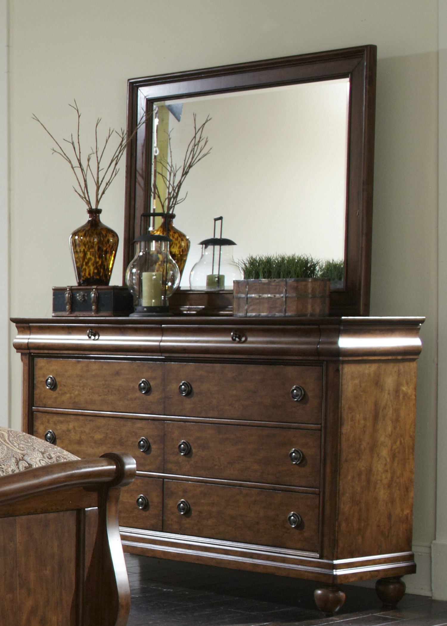 Liberty Furniture Dresser And Mirror 589 BR DM