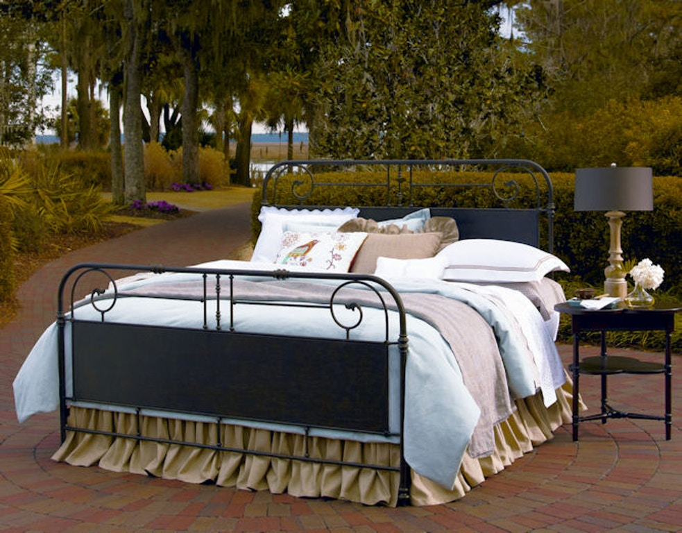 Paula Deen By Universal Bedroom Garden Gate Bed 5 0 192310