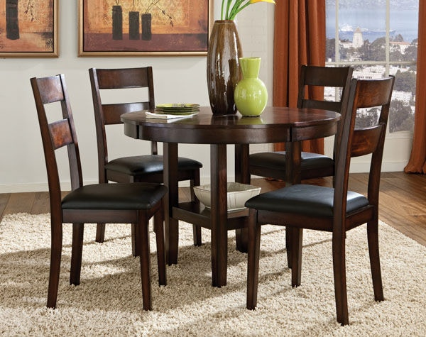 Standard Furniture Round Leg Table With 4 Chairs 10022