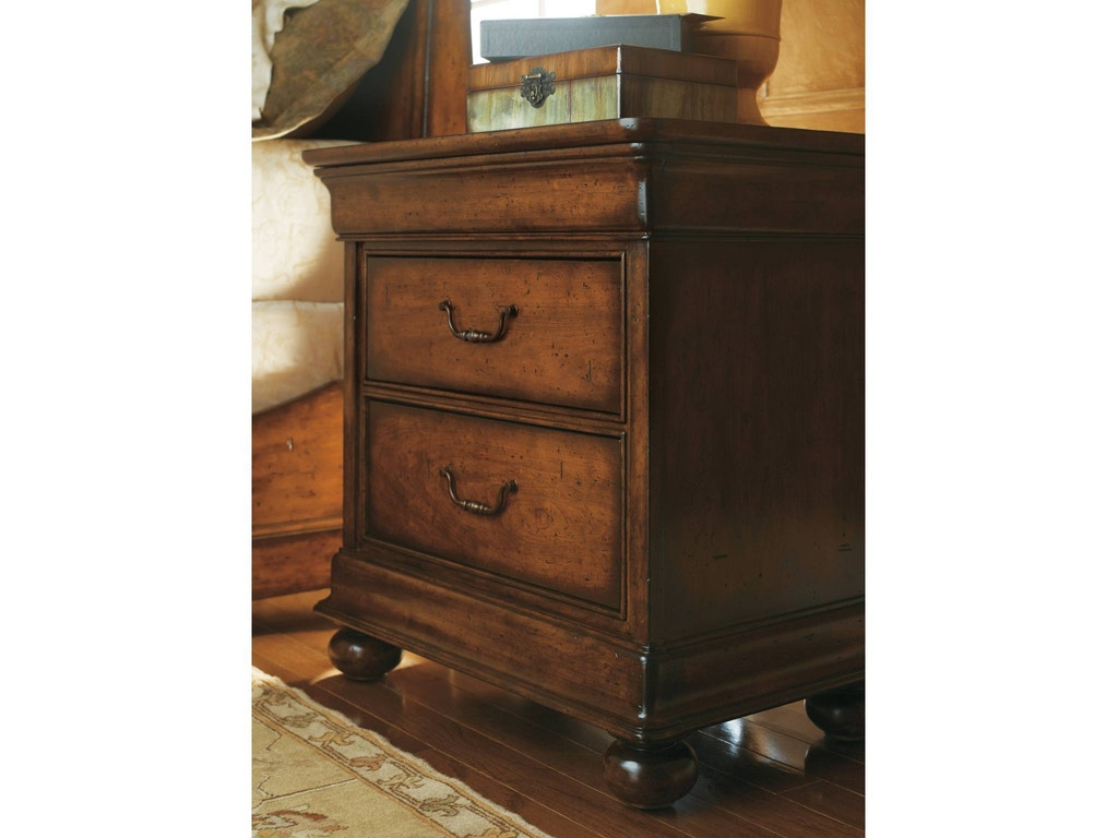 Stanley furniture bedroom nightstand 058 13 80 shofer 39 s for Stanley furniture