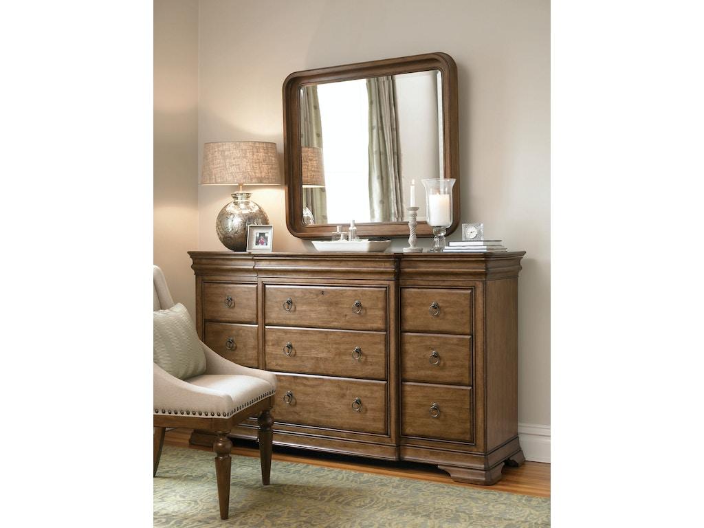 universal furniture bedroom drawer dresser 071040 flemington department store flemington nj. Black Bedroom Furniture Sets. Home Design Ideas