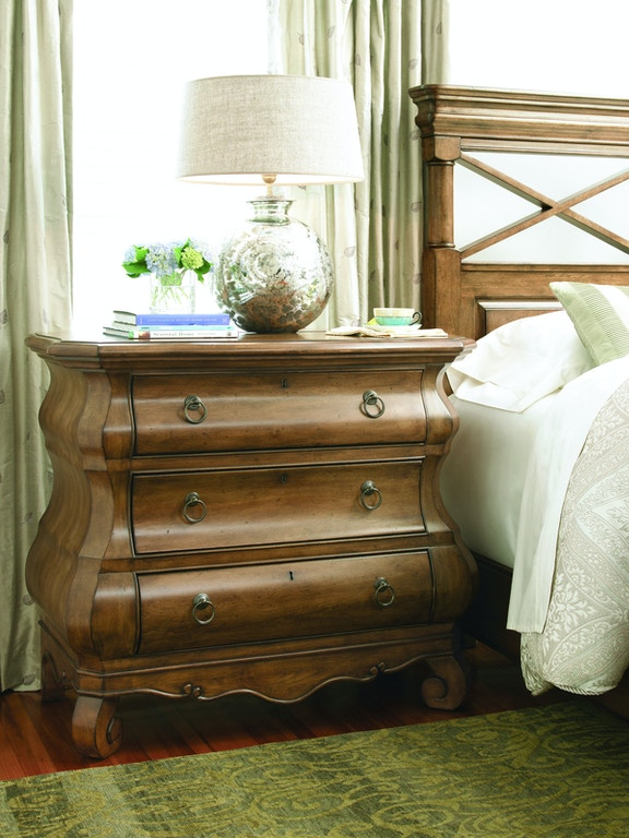 Universal Furniture Bedroom Louie P S Chest 071360