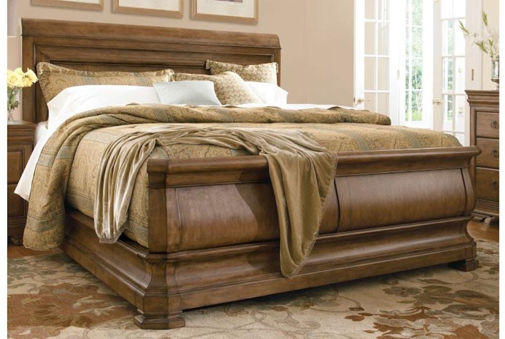 Universal Furniture Bedroom Louie P S