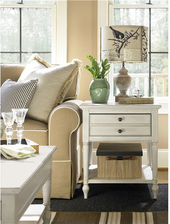 Universal Furniture Living Room End Table 987805 Matter