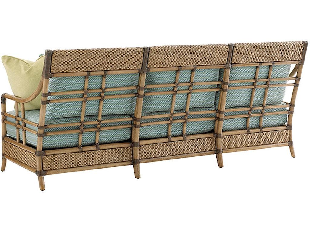 Lexington living room seagate sofa 1845 33 quality for Quality furniture