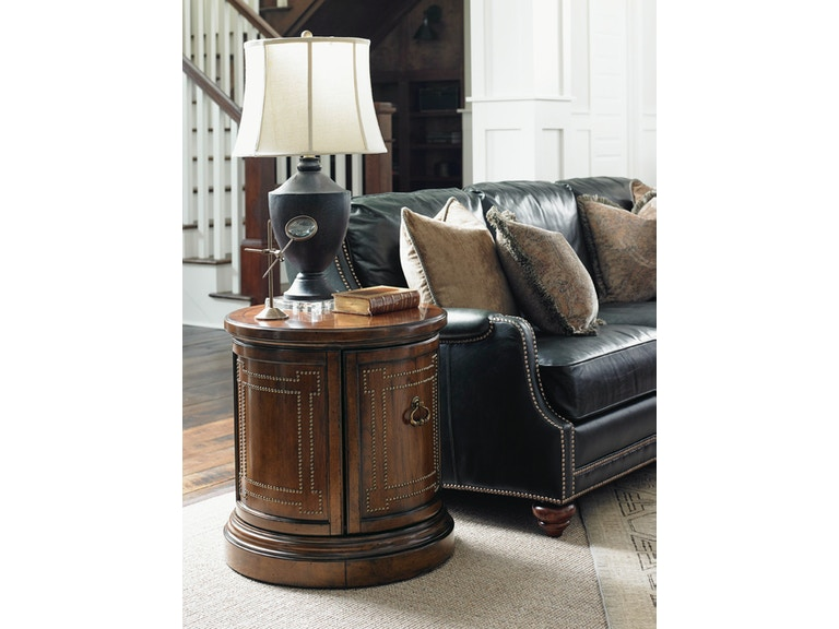 Lexington Darien Accent Table 945-950