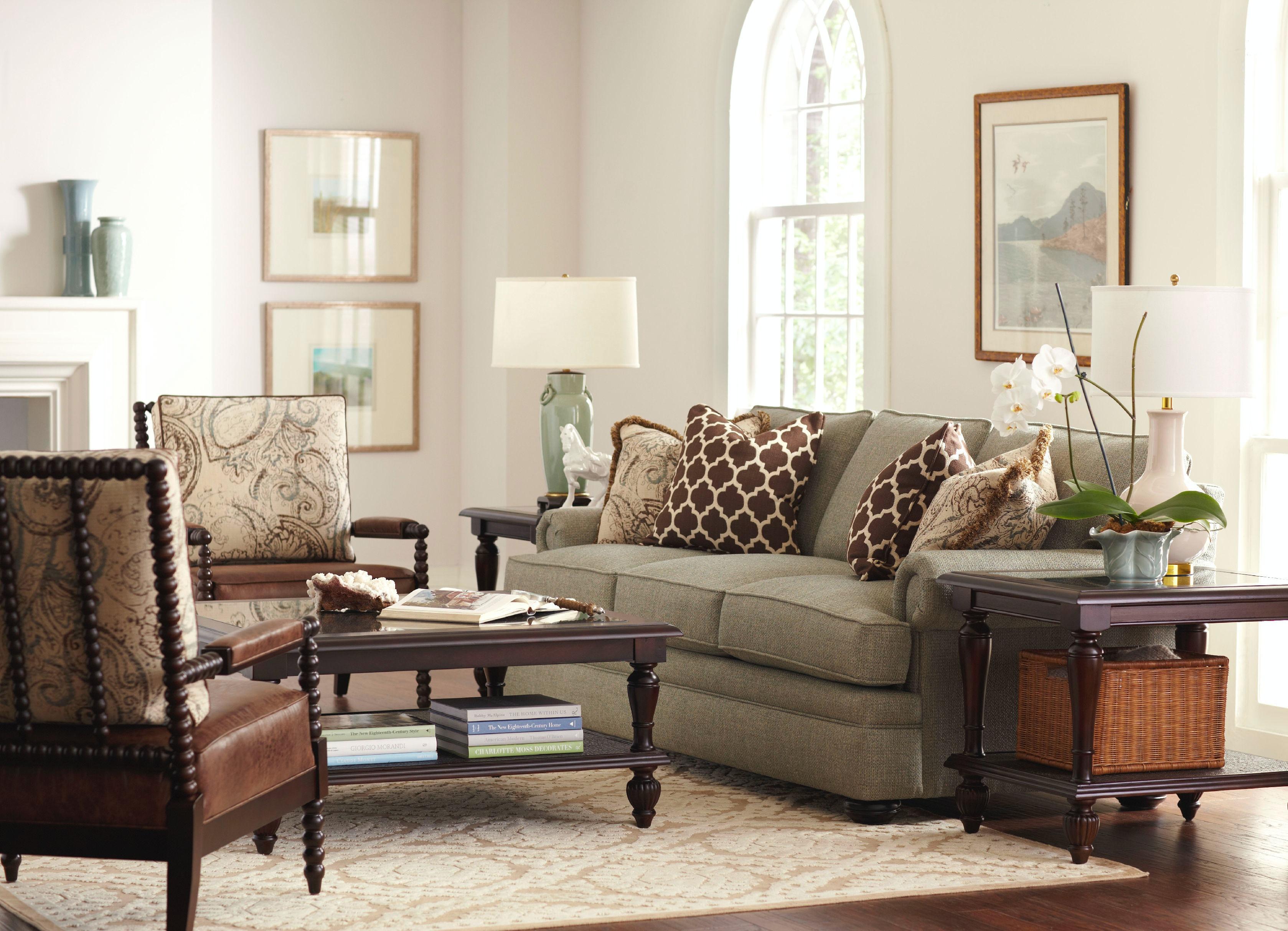 7111 011. Sofa