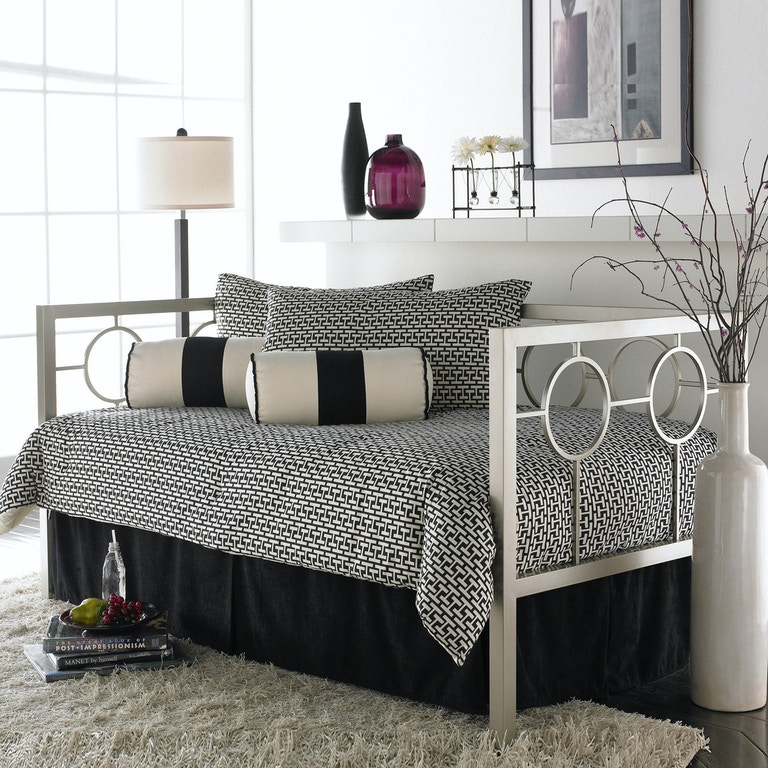Fashion Bed Group Astoria Complete Metal Daybed With Link Spring And Trundle Pop Up