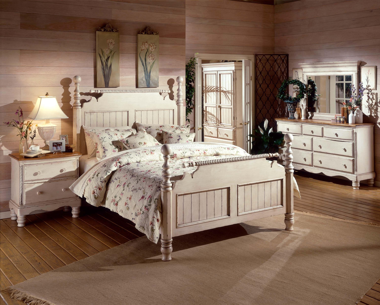 Captivating Hillsdale Furniture Bedroom Wilshire Post Bed Footboard   King 1172 680 At  EMW Carpets U0026 Furniture