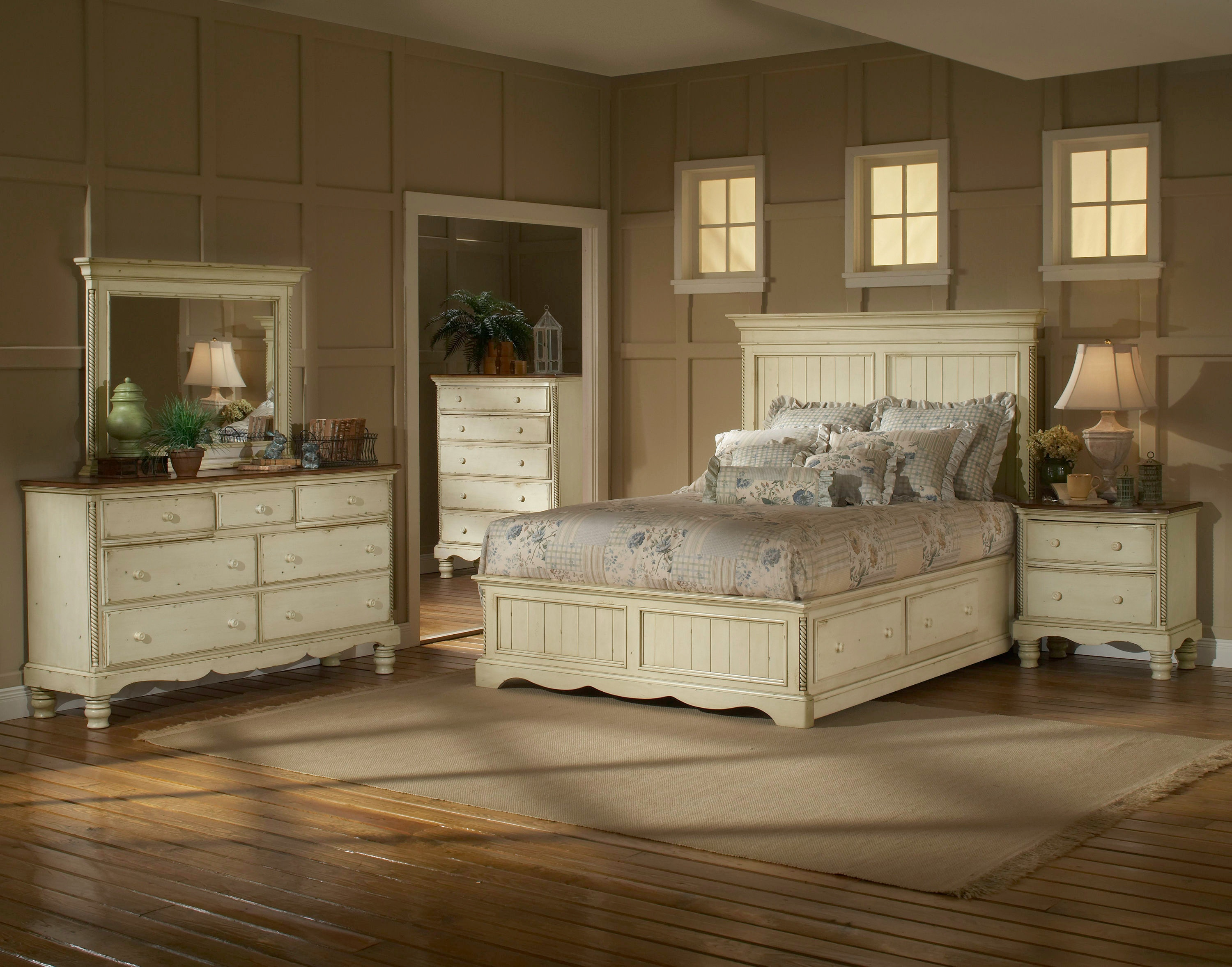 Hillsdale Furniture Wilshire Panel Storage Bed - Queen Rails Nightstand Dresser Mirror & Hillsdale Furniture Bedroom Wilshire Panel Storage Bed - Queen ...